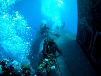 Navy SEALs Diving