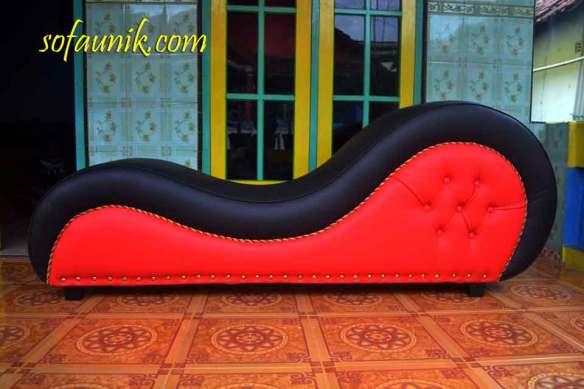 Cara bercinta, cara berciuman, kursi untuk bercinta, sofa romantis, alat bantu seksualitas pria, alat alat seks, kursi bercinta