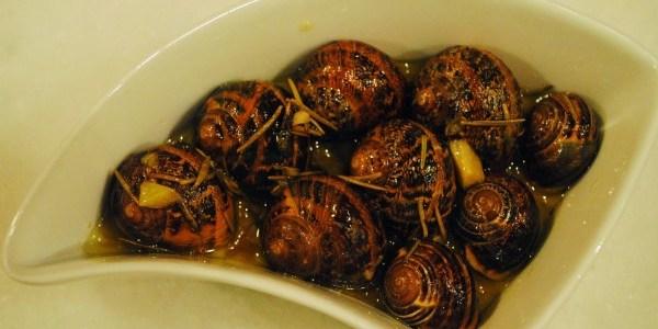 Σαλιγκάρια μπουρμπουριστά, συνταγή της Κρήτης.