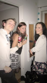 Rasmus, Carro and Elin hanging in the hallway :)