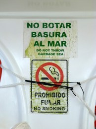 Ah... botar means throw in ecuatorian spanish.. in spanish we say tirar.. but that means fuck here..