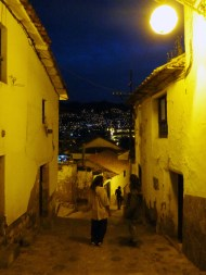 At night in the small pittoresque streets of Cuzco