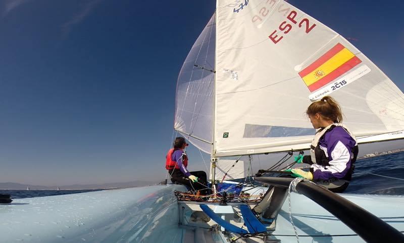 Sofia Toro Prieto Puga navegando en 470