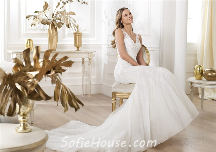 Fit And Flare Mermaid V Neck Tulle Lace Wedding Dress With