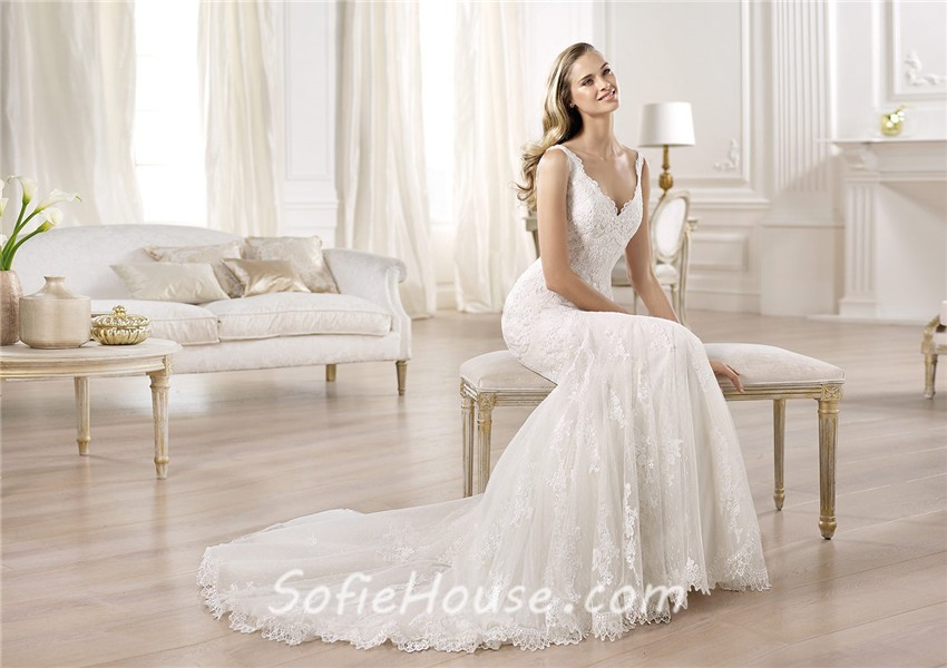 Sexy Fitted Mermaid V Neck Lace Wedding Dress With Straps