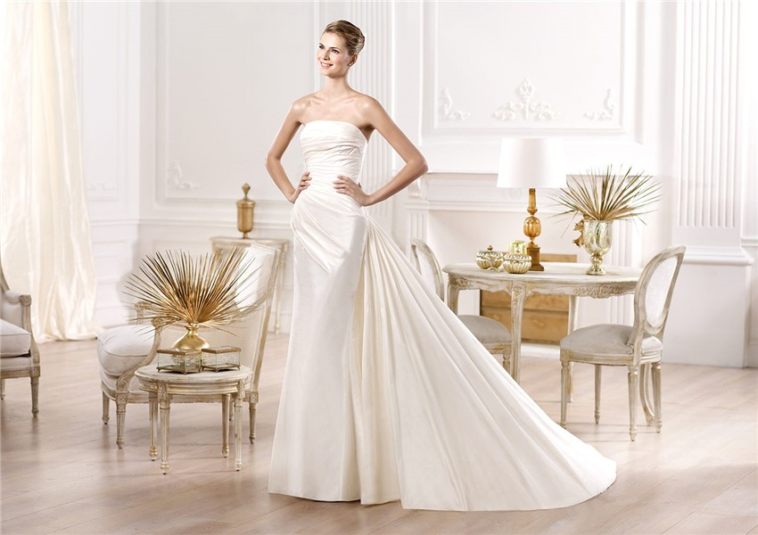 Slim Mermaid Strapless Ruched Satin Wedding Dress With