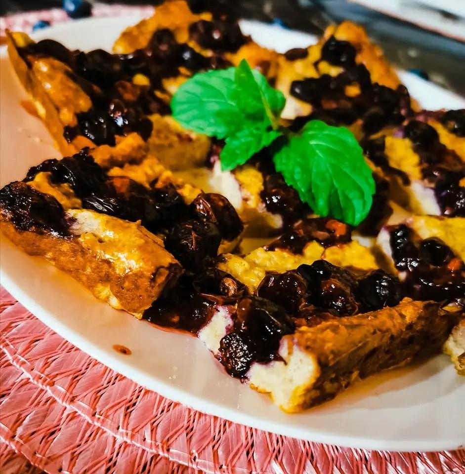 You are currently viewing Heidelbeer-Quark Kuchen aus Haferflocken