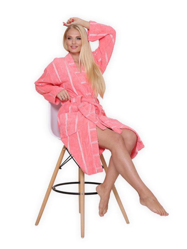 Женские махровые халаты