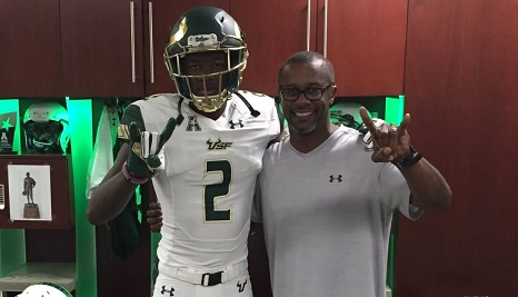 WR Jermaine Eskridge Jr (Tampa-Jefferson) Class of 2018 Commitment Photo with Willie Taggart (07.28.2016) - (466x267)
