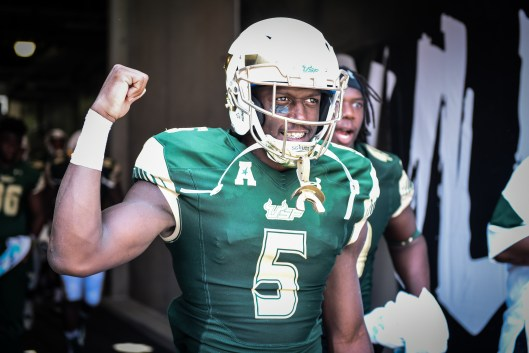 FSU vs USF 2016 83 - Marlon Mack flexing by Dennis Akers (4353x2902)