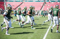 6 USF vs ECU 2016 - USF Offensive Line Pre-Game (6016x4016)