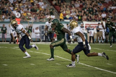54 - Navy vs. USF 2016 - USF RB D'Ernest Johnson TD run by Dennis Akers | SoFloBulls.com (5450x3638)