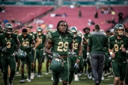 7 - Navy vs. USF 2016 - USF S Devon Jones-Stewart by Dennis Akers | SoFloBulls.com (6016x4016)