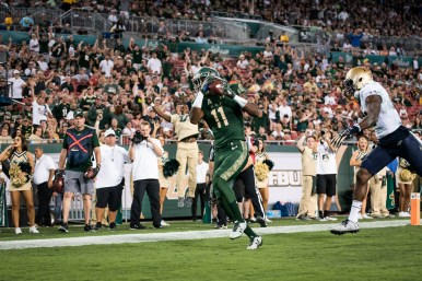 81 - Navy vs. USF 2016 - USF WR Marquez Valdes-Scantling TD Catch by Dennis Akers | SoFloBulls.com (3936x2624)