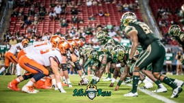 114 - Illinois vs. USF 2017 - Illinois OL vs. USF DL by Dennis Akers | SoFloBulls.com (5611x3156)