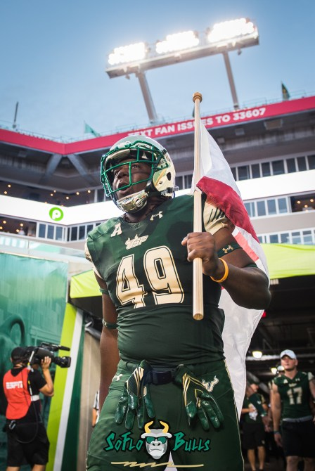 21 - Temple vs. USF 2017 - USF TE KJ Miles Carrying Florida Flag by Dennis Akers | SoFloBulls.com (2433x3644)