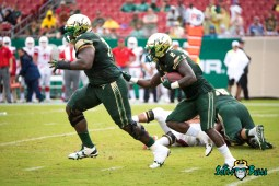 28 - Stony Brook vs. USF 2017 - USF RB D'Ernest Johnson by Dennis Akers | SoFloBulls.com (4355x2907)