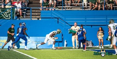 69 - USF vs. San Jose State 2017 - USF WR Darnell Salomon by Dennis Akers | SoFloBulls.com (4627x2358)