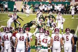 82 - Temple vs. USF 2017 - Temple Sideline watching the Bulls Defense by Dennis Akers | SoFloBulls.com (5885x3929)