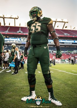 9 - Temple vs. USF 2017 - USF OL Eric Mayes by Dennis Akers | SoFloBulls.com (3193x4470)