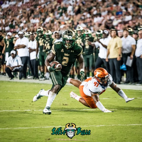 95 - Illinois vs. USF 2017 - USF RB D'Ernest Johnson by Dennis Akers | SoFloBulls.com (2954x2954)