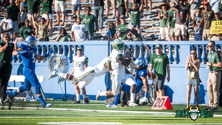 99 - USF vs. San Jose State 2017 - USF RB D'Ernest Johnson Tyre McCants Block by Dennis Akers | SoFloBulls.com (4181x2352)