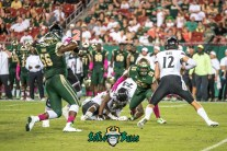 142 - USF vs Cinci 2017 - USF LB Josh Black Juwuan Brown (4215x2814)