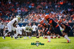 14 - USF vs. Illinois 2018 - USF USF DL vs. Illinois OL by Dennis Akers | SoFloBulls.com (5268x3517)