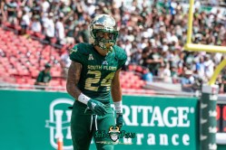 18 - Georgia Tech vs. USF 2018 - USF DB Nick Roberts by Dennis Akers | SoFloBulls.com (6016x4016)