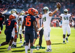 21 - USF vs. Illinois 2018 - USF TE Mitchell Wilcox First Down Point by Dennis Akers | SoFloBulls.com (4782x3416)