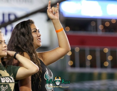 107 - USF vs. UConn 2018 - USF Students in Crowd by Will Turner   SoFloBulls.com (4190x3247) - 0H8A8747