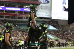 121 - USF vs. UConn 2018 - USF RB Johnny Ford Marcus Norman by Will Turner | SoFloBulls.com (5472x3648) - 0H8A8813