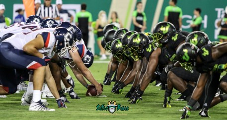 137 - USF vs. UConn 2018 - USF UConn OL vs. USF DL by Will Turner | SoFloBulls.com (5464x2906) - 0H8A8959