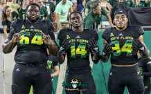 181 - USF vs. UConn 2018 - USF LB Keirston Johnson Vincent Davis Jajuan Cherry by Will Turner | SoFloBulls.com (4672x2925) - 0H8A9289