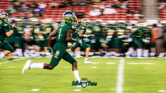 5 - USF vs. ECU 2018 - USF DB Chris Barr by Dennis Akers | SoFloBulls.com (4876x2743)