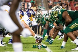 55 - USF vs. ECU 2018 - USF DL vs. ECU OL by Dennis Akers | SoFloBulls.com (3204x2139)