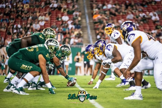 67 - USF vs. ECU 2018 - USF OL vs. ECU DL by Dennis Akers | SoFloBulls.com (5349x3571)