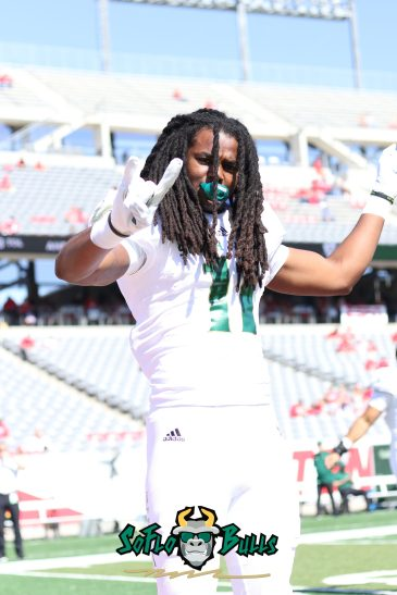 24 - USF vs. Houston 2018 - USF LB Dwayne Boyles by Will Turner | SoFloBulls.com (5472x3648) - 0H8A9366