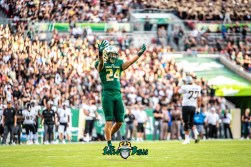 45 - UCF vs. USF 2018 - USF DB Nick Roberts Hypes the Home Crowd by Dennis Akers | SoFloBulls.com