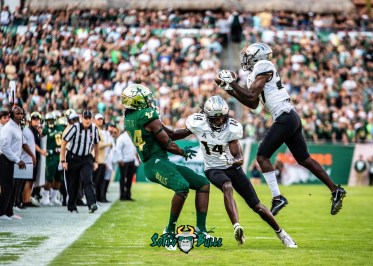 48 - UCF vs. USF 2018 - USF WR Randall St. Felix blocked as UCF Intercepts a pass by Dennis Akers | SoFloBulls.com