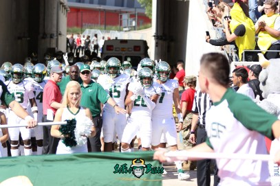 68 - USF vs. Houston 2018 - USF DB Bentlee Sanders Brett Kean Deangelo Antoine by Will Turner | SoFloBulls.com (5472x3648) - 0H8A9468