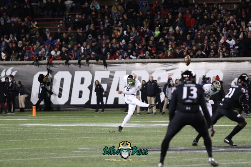 22 – USF vs. Cincinnati 2018 – USF K Jake Stone by Will Turner – SoFloBulls.com – 0H8A1008