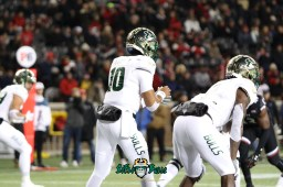 37 – USF vs. Cincinnati 2018 – USF RB Jordan Cronkrite Chris Oladokun by Will Turner – SoFloBulls.com – 0H8A1036