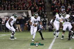 69 – USF vs. Cincinnati 2018 – USF QB Chris Oladokun by Will Turner – SoFloBulls.com – 0H8A1152