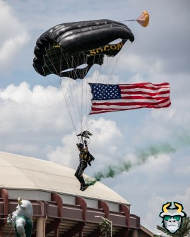 12A - Military Veteran Parachutes onto Corbett Stadium USF Spring Game 2019 by David Gold 0389 (4000x5000)