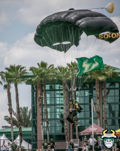 12B - Military Veteran Parachutes onto Corbett Stadium USF Spring Game 2019 by David Gold 0409 (4000x5000)