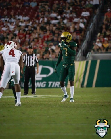 64 – Wisconsin vs USF 2019 – USF DB Mike Hampton by David Gold – DRG05531