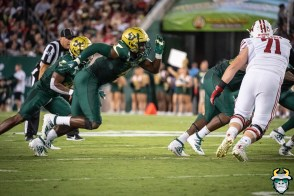 69 – Wisconsin vs USF 2019 – USF DE Greg Reaves by David Gold – DRG05739