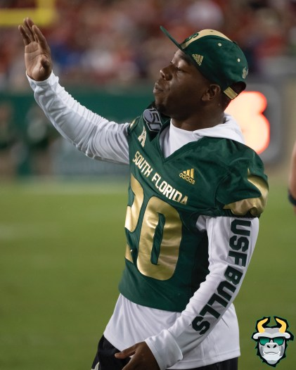 88 – Wisconsin vs USF 2019 – USF RB Johnny Ford on Sideline by David Gold – DRG06105