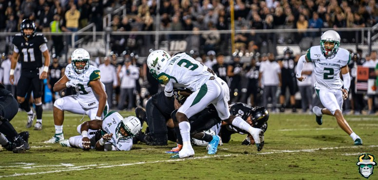 42 - USF vs. UCF 2019 - Vincent Davis Jr Pano by David Gold - DRG05797